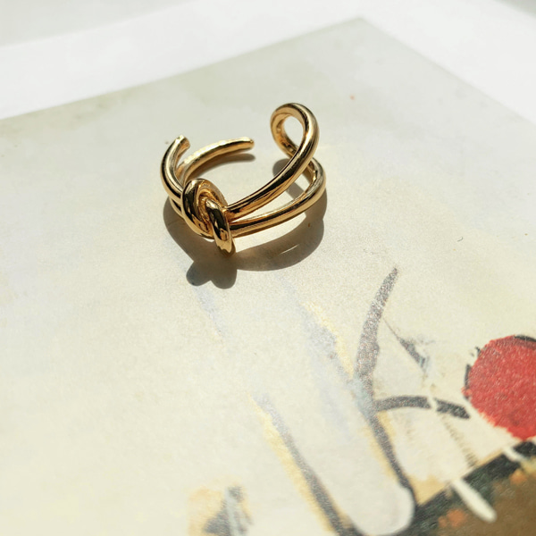 Knot Accent Ring