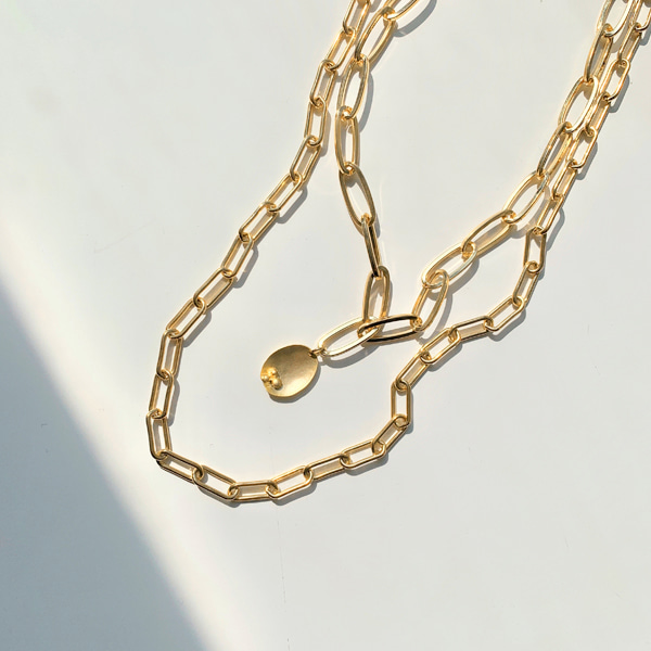 Oval Pendant Cable Chain Layered Necklace
