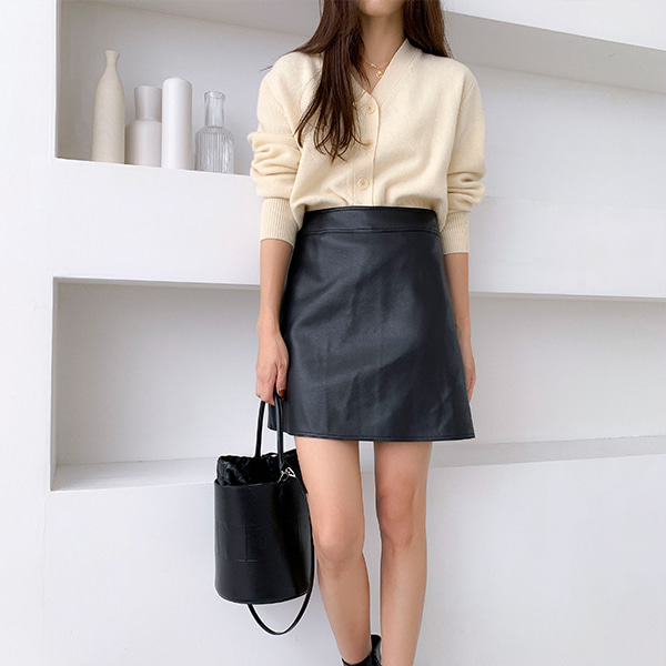 Solid Tone High-Waisted Mini Skirt