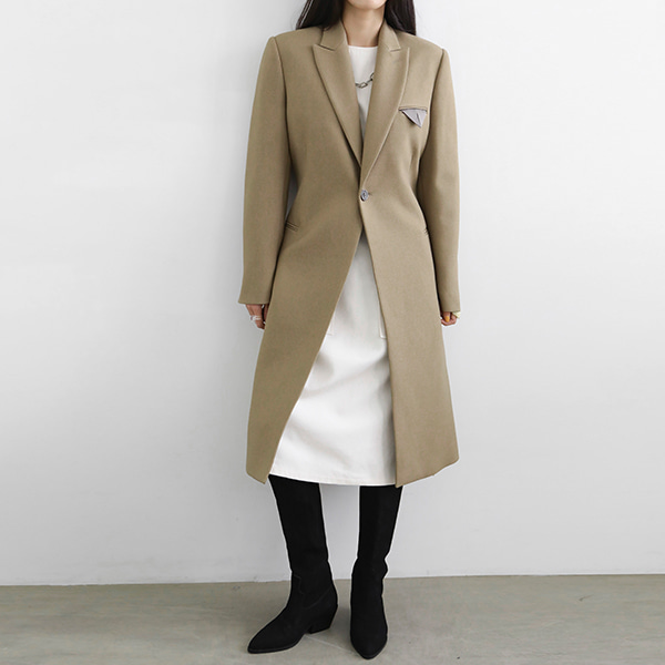 Single Button Peaked Lapel Coat