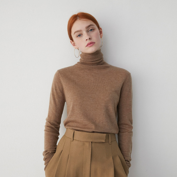 Ribbed Detail Turtleneck Knit Top