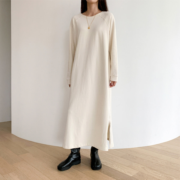 Side Slit Raglan Long T-Shirt Dress