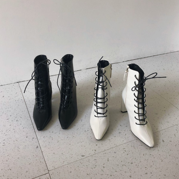 Pointed Toe Lace-Up Boots
