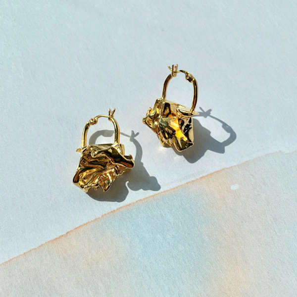 Tiger Head Accent Earrings